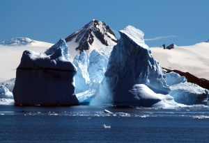 Antarctica stages spectacular ice shows
